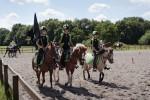 Das Mounted Games Team beim Aufmarsch